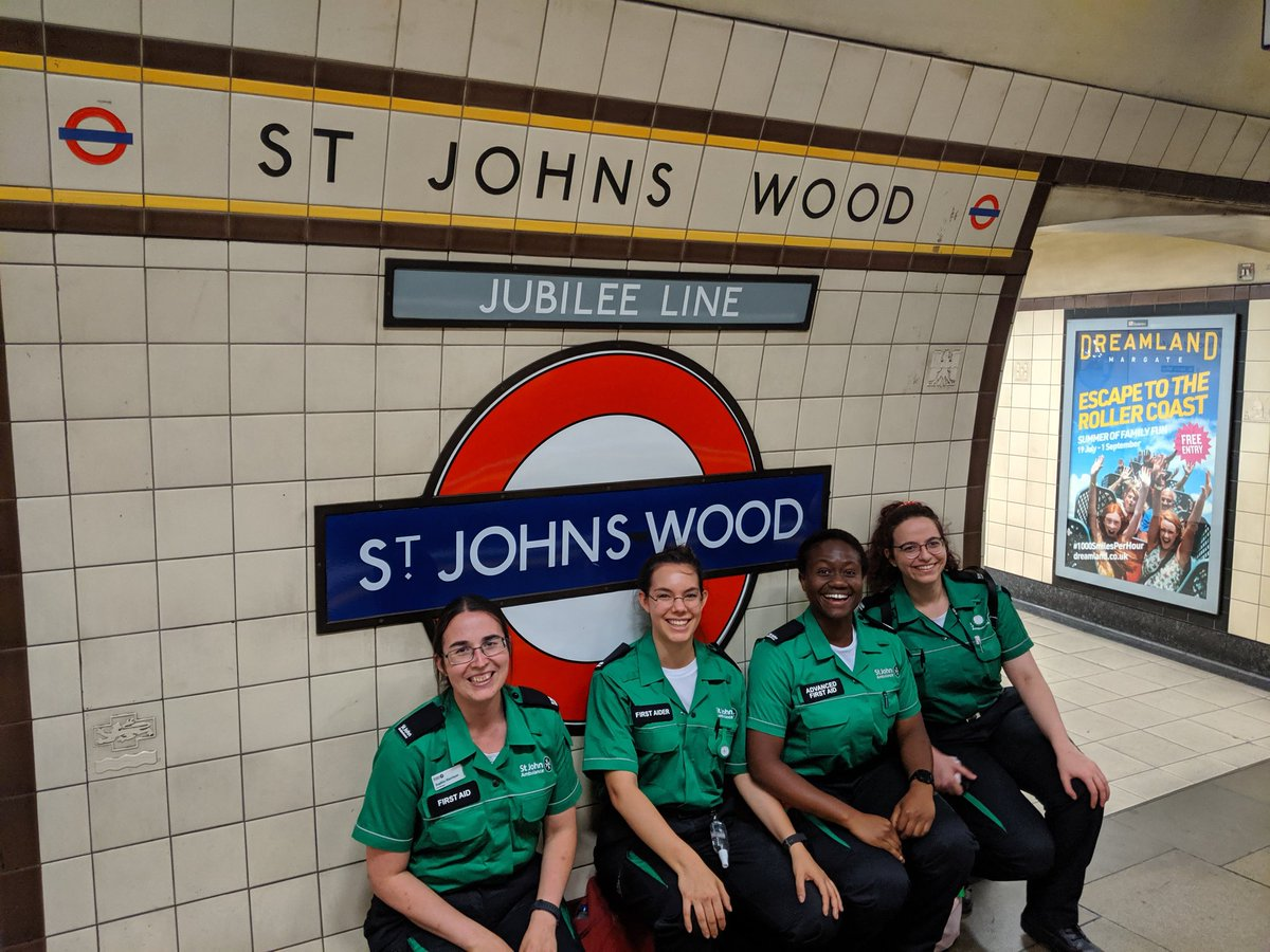 St John at St John's Wood after a great evening at @lordscricket with Putney, @SJACityOfWest and @Kings_LINKS @SJA_LS_Student. #mysjaday #lords #MIDvESS