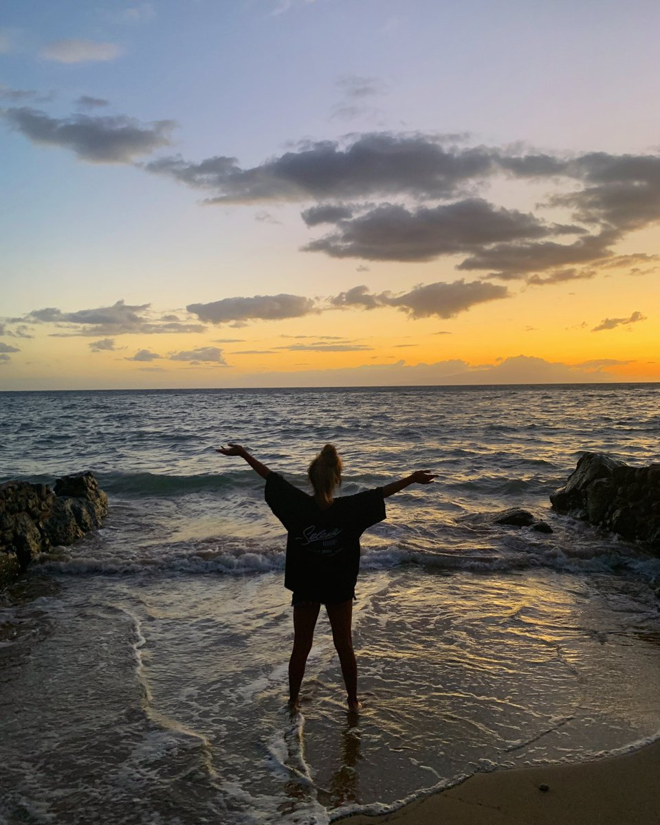 goodbye for now maui  thank you for the beautiful memories and the sunburn. will continue spamming pics tho   https://www. instagram.com/p/B0EtaroHsbS/ ?igshid=1xczvfj12e11l  … <br>http://pic.twitter.com/PVVy8gdiuc