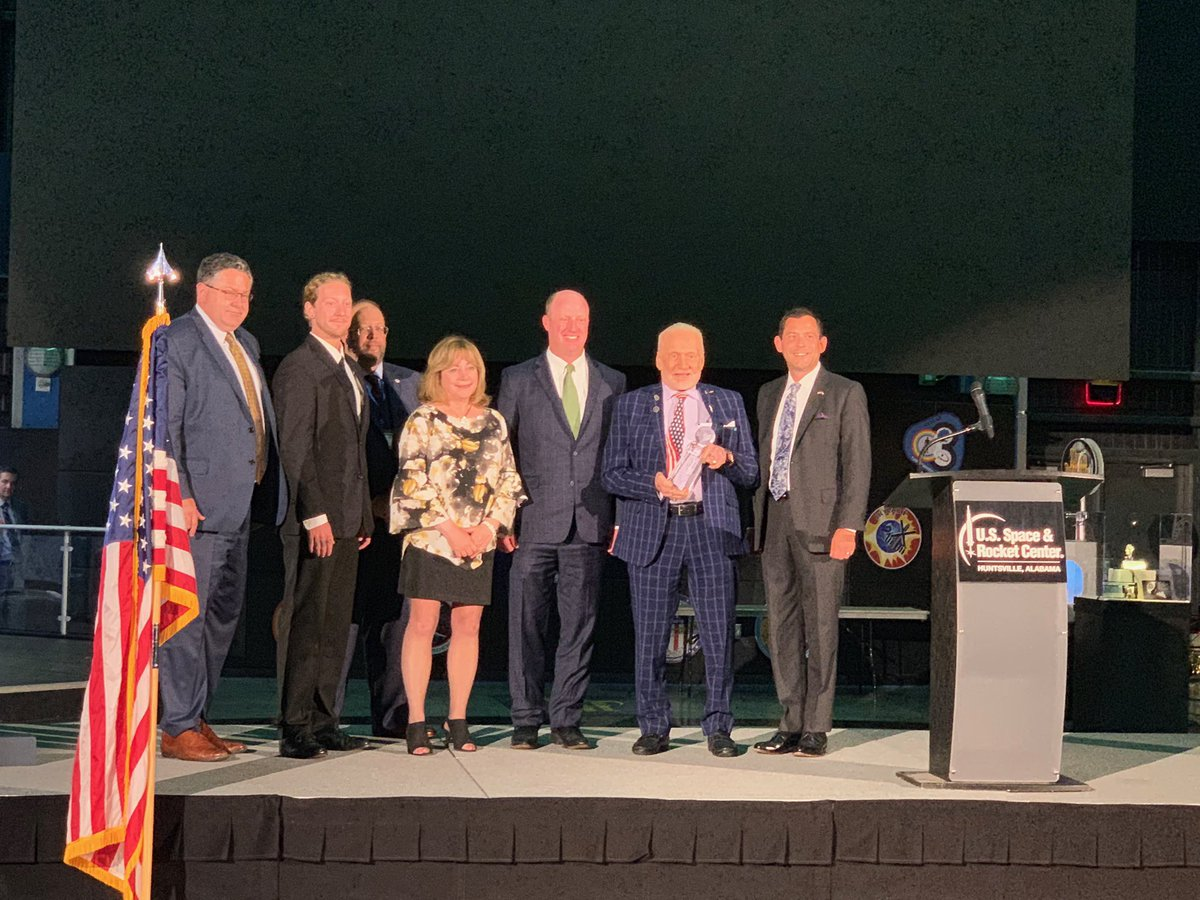 Honored to receive the #ASA2019 annual award for #ApolloXI accomplishments by space supporters, government leaders & industry. Thank you to Lt Gov Ainsworth (AL), Lt Gov Primavera (CO), Lt Gov Hampton (KY) @LockheedMartin Joe Rice; & ASA's Ross Garelick Bell & Monica Hecker<br>http://pic.twitter.com/MPzQXjxAZ4