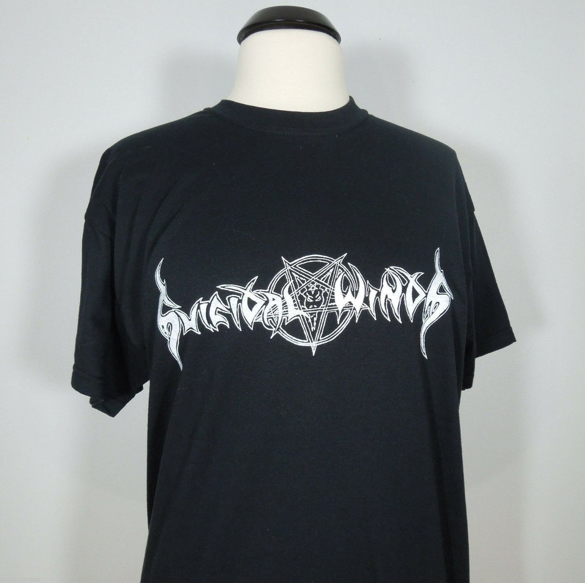 Check out https://ebay.to/2JP6wGN  SUICIDAL WINDS Band Logo Black T-Shirt (No Colours Records) Men's (NEW)   http://www.axblade.com    #SUICIDALWINDS #Band #Sweden #Logo #Black #TShirt #NoColoursRecords #Mens #NEW #ThrashMetal #BlackMetal #AxBlade #VersalCentre #CDs #Patchespic.twitter.com/BcGgeSx0PE