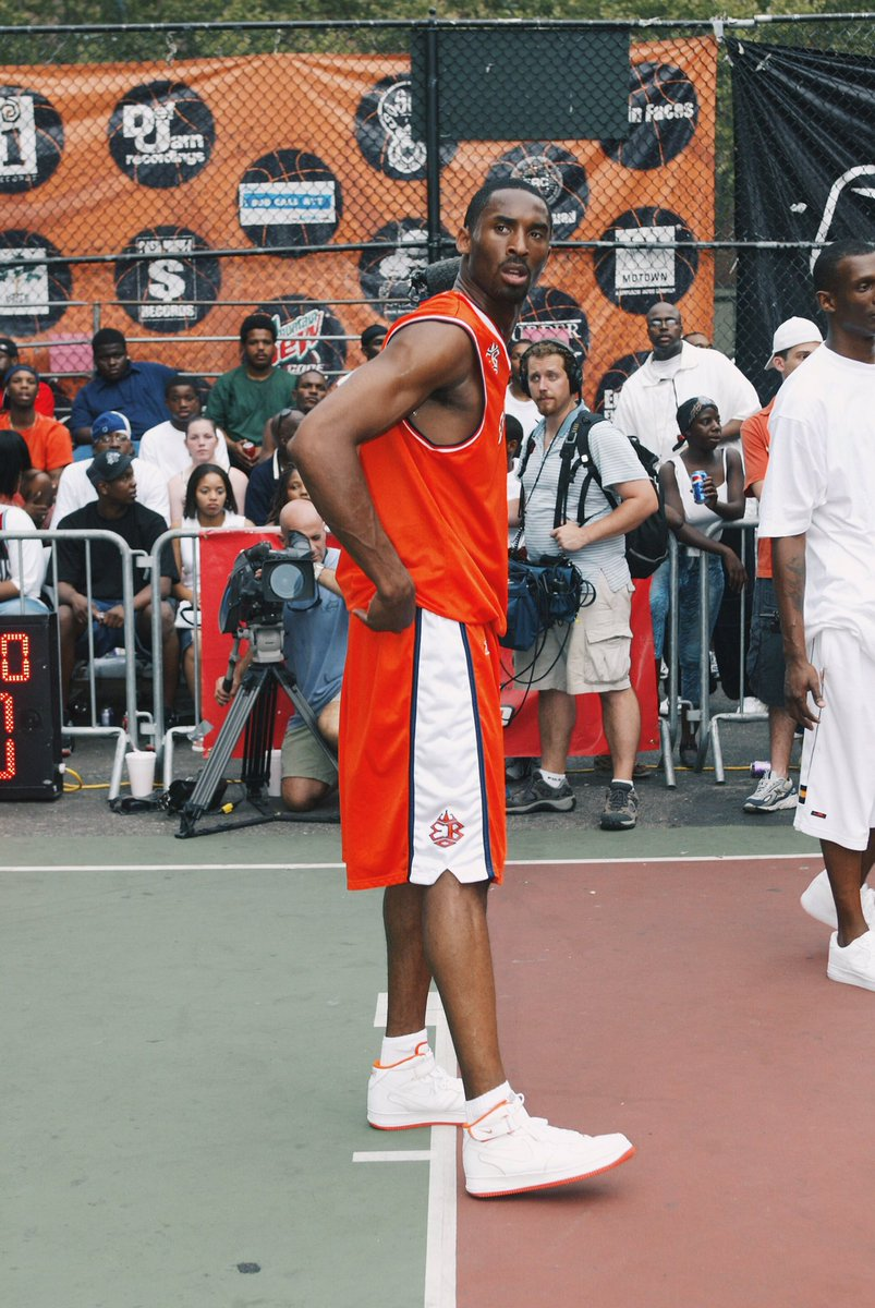 July 18, 2002. @KobeBryant pulled up to Rucker Park in Harlem and played in the Nike Air Force 1 Mid. #TBT