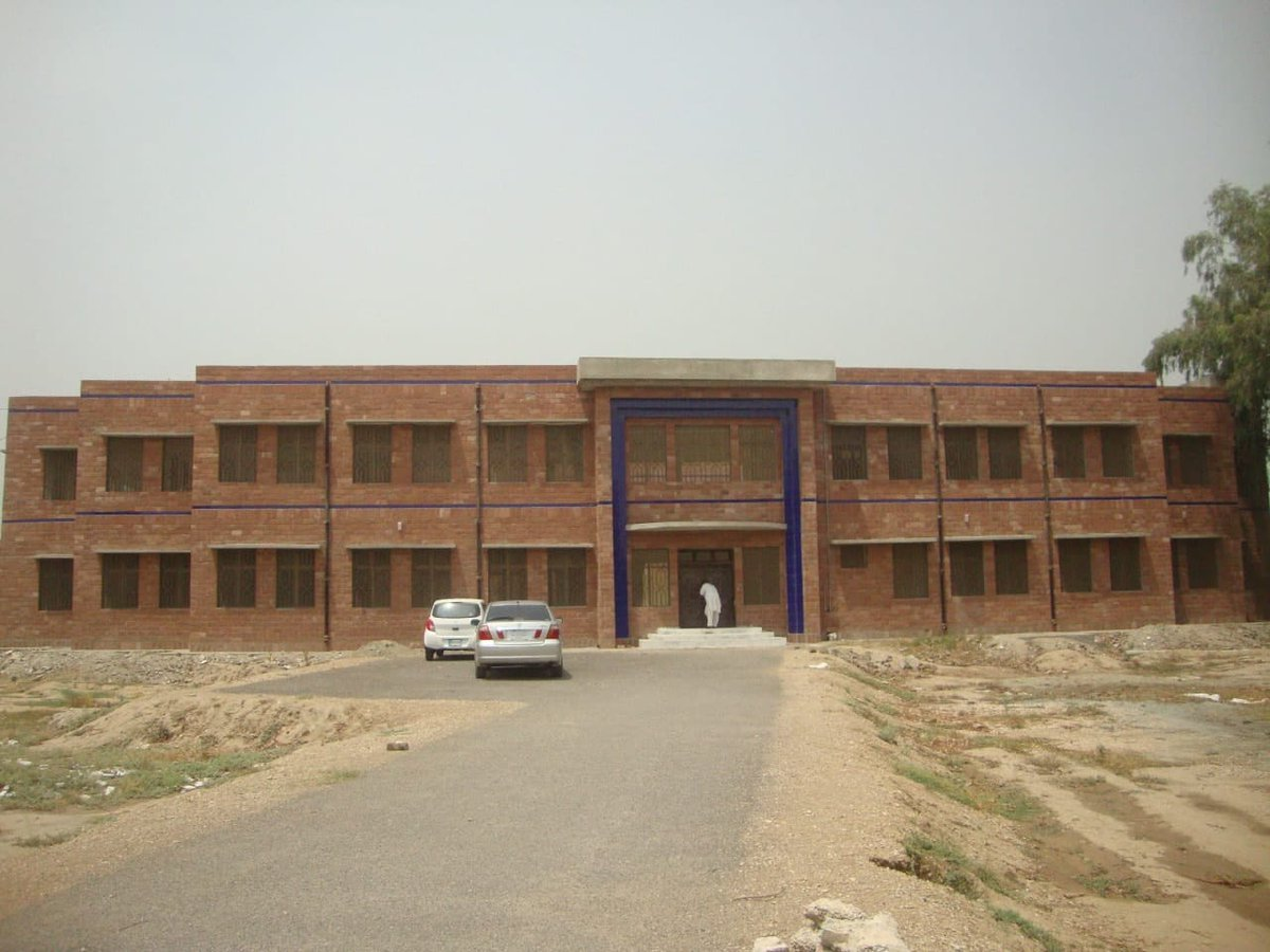 Construction of hostel for 100 persons at Dera Ismail Khan Sports Complex is almost complete.  #KPKUpdates<br>http://pic.twitter.com/SUCyPJDIiz