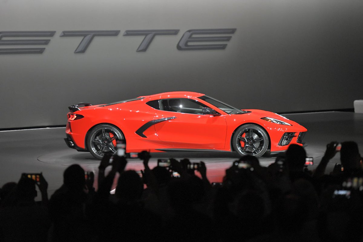 Motortrend On Twitter It S Official Corvette C8 Get The