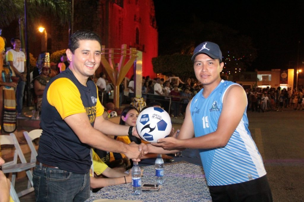 #Inauguran la #primeraedición de los #juegosdeverano en #Tekax https://www.noticiascontrapunto.com.mx/inauguran-la-primera-edicion-de-los-juegos-de-verano-en-tekax/…