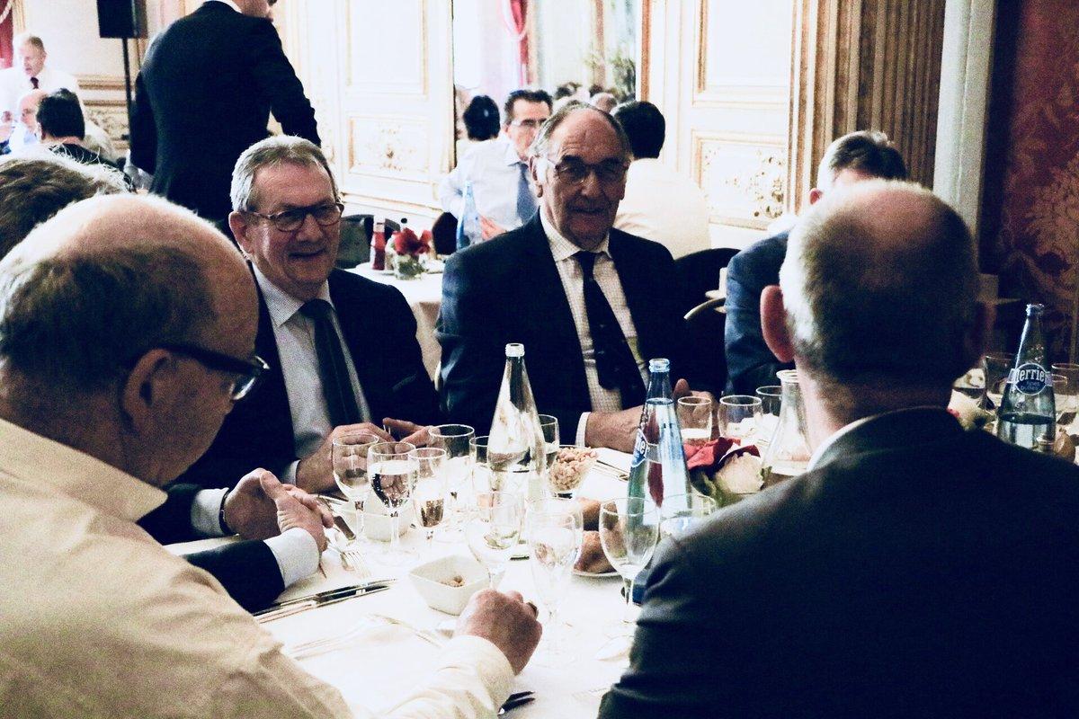 89b4f0ac2c3 Heureux de recevoir ce midi au  Senat Philippe SQUELARD et les membres du  bureau du Centre de Gestion de la Fonction Publique Territoriale de ...