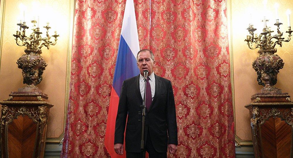 Lavrov: Esad'ın Suriye'yi birleştirebilecek kişi olduğunu hiçbir zaman söylemedik sptnkne.ws/hqWz