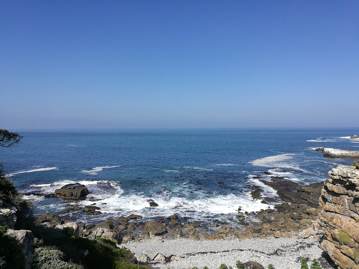 Weather has changed this afternoon in Hermanus with a cool breeze. 22 degrees. #lekker #capewhalecoast #sea #hermanus #SouthAfrica<br>http://pic.twitter.com/LTigGrjXyw