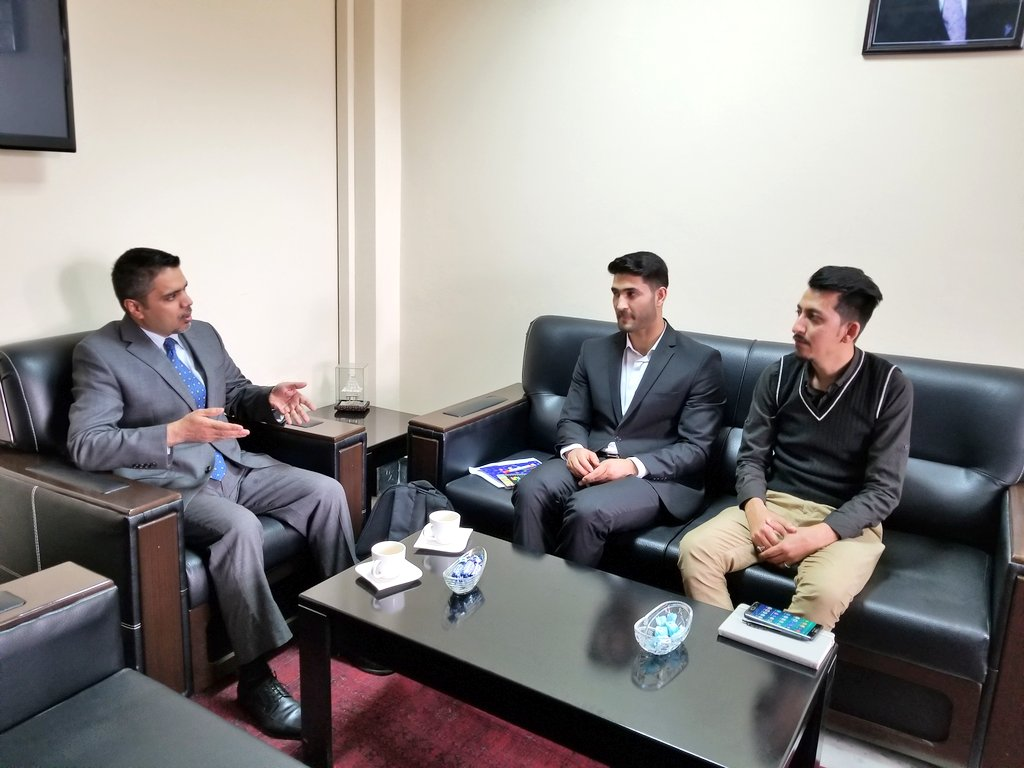 Always a pleasure meeting with the hard-working, smart students of @AUAfghanistan, discussing their research questions re how #Corruption can undermine the #legitimacy of government in public eyes. We also discussed the many anti-corruption initiatives of Pres @ashrafghani.<br>http://pic.twitter.com/01GqD8Sx8D