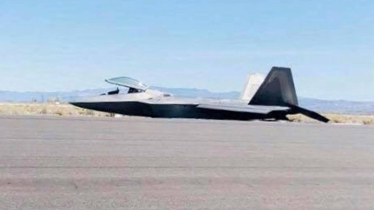 On 14 April a F-22A Raptor made a wheel-up landing at NAS Fallon, NV. The pilot walked away.