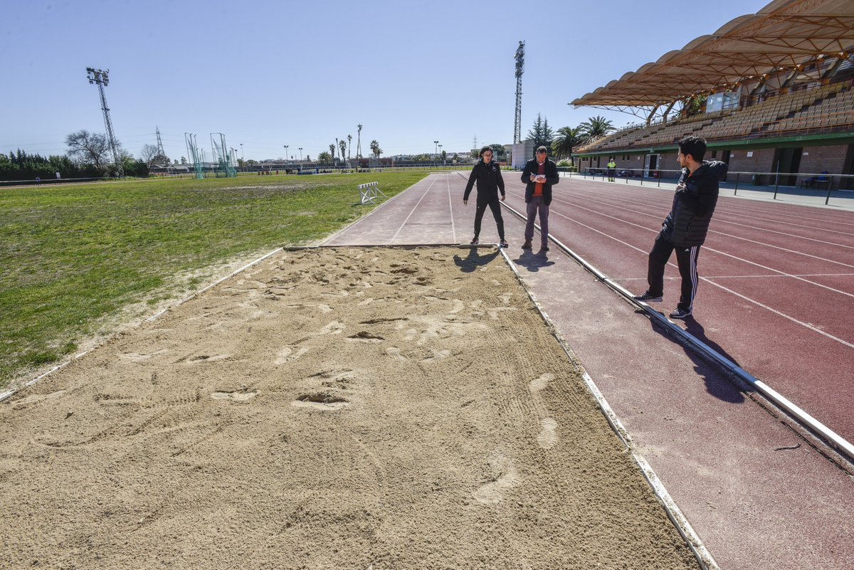 """Javi Pérez on Twitter: """"Foso de saltos de #LaGranadilla con la arena más dura que el cemento por falta de mantenimiento. No ha visto una mula mecánica desde hace años. El campeón"""
