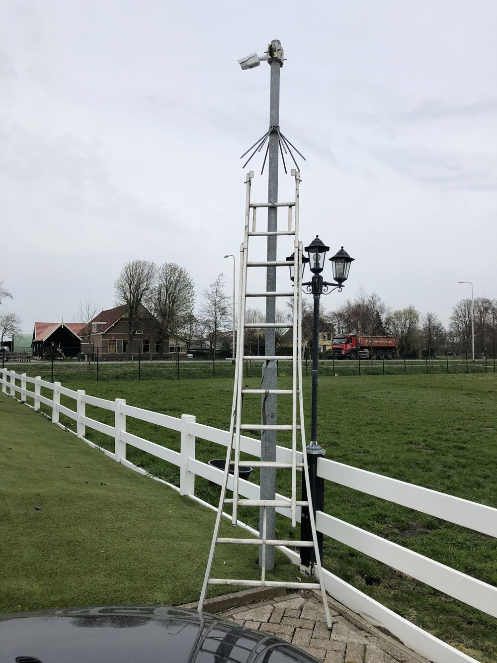 camera masts in Voorschoten.