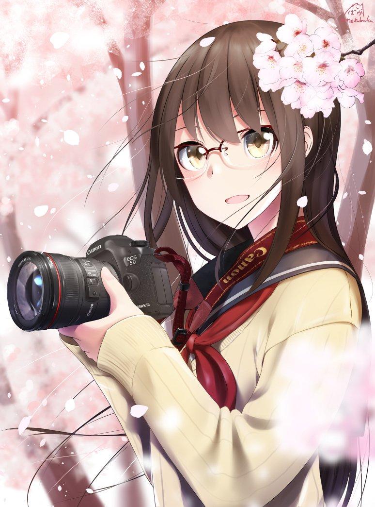 左手の親指の付け根らへんに映ってる桜の花びらがどう見てもゴミにしか見えないので消したやつ上げときます。