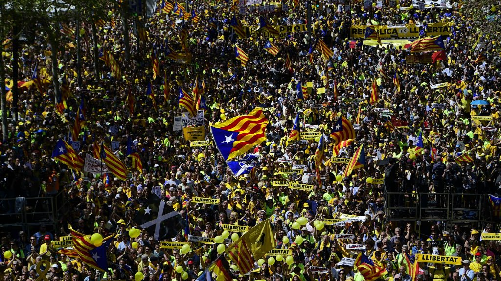 Thousands protest in Barcelona against jailing of pro-Catalonia separatists https://t.co/V1lcSFwDtr