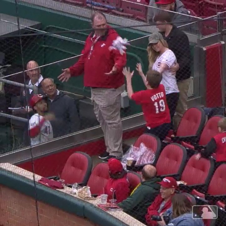 Hit a homer, make a kid's day.  ����, @BillyHamilton. https://t.co/ippBscJ5h7
