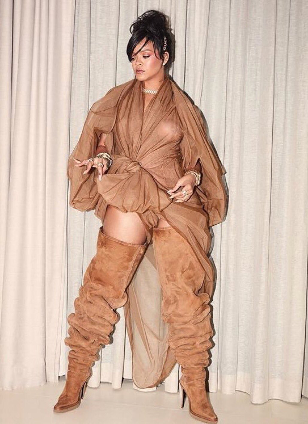 @Rihanna did not come to play. #Coachella18 https://t.co/vfIV9U7IPK