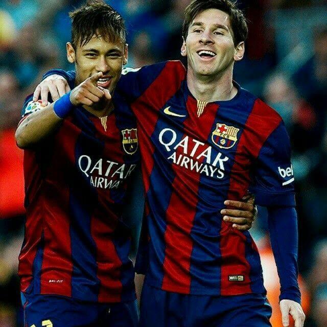 Recuerdo que en mi primer año en el Barcelona estaba viviendo un momento difícil. Y en el entretiempo de un partido, estaba llorando. Messi vio que estaba triste. Me dijo: 'tienes que ser tu mismo, juega, juega tu fútbol, no te sientas intimidado porque yo estoy aquí - Neymar