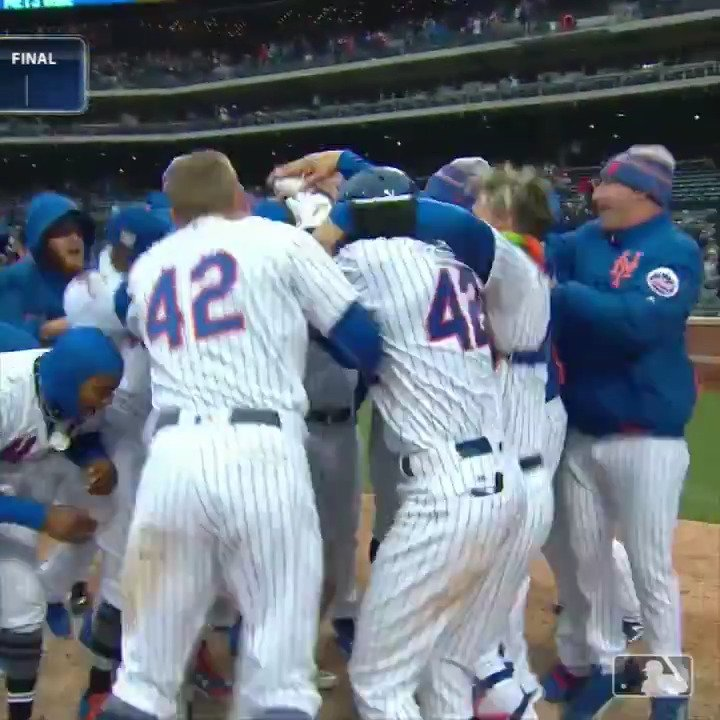 A Wilmer #walkoff. We've seen this story before. https://t.co/LNh3KLHQSd
