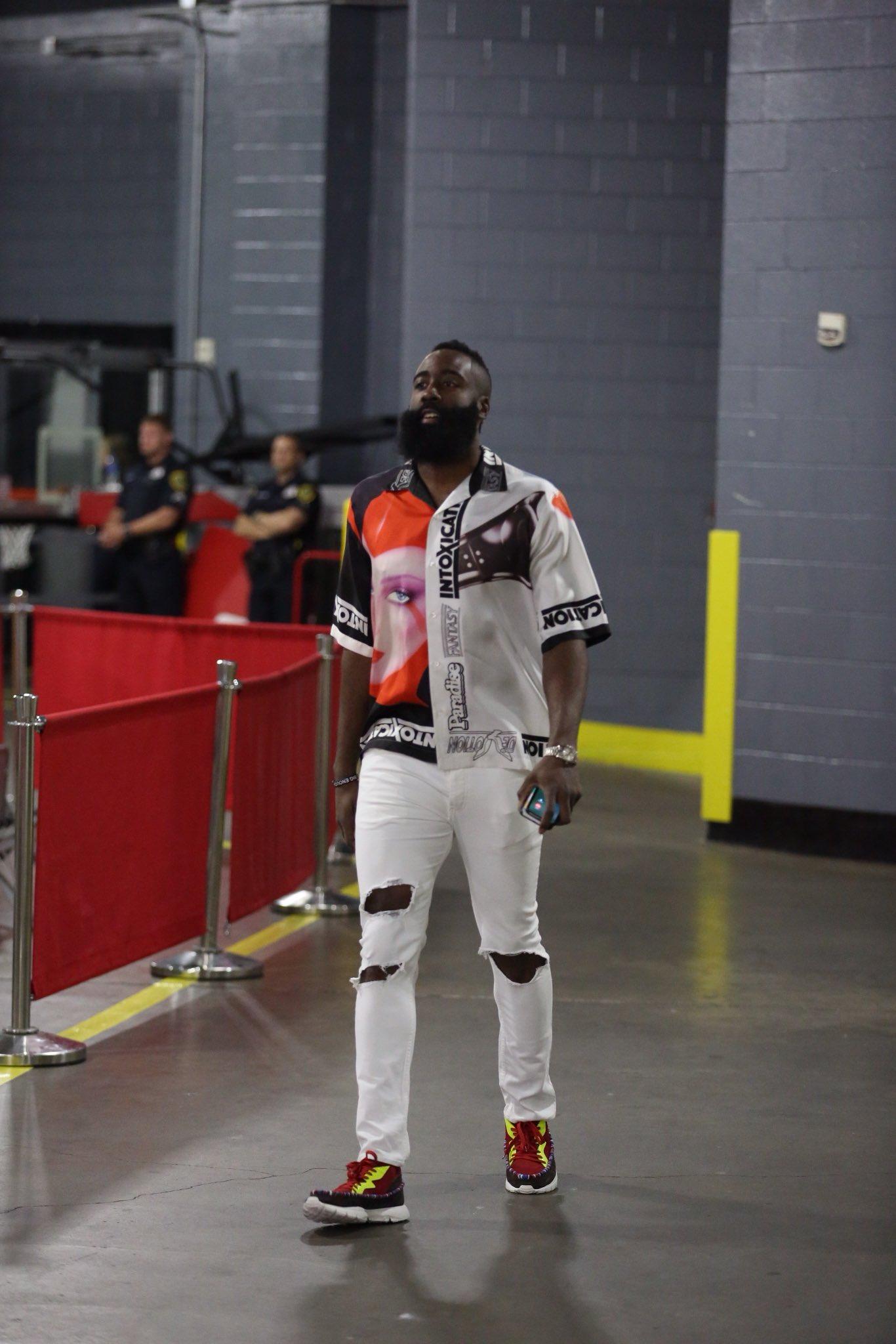 The Beard has arrived for Game 1 https://t.co/ZauNPkFSgr