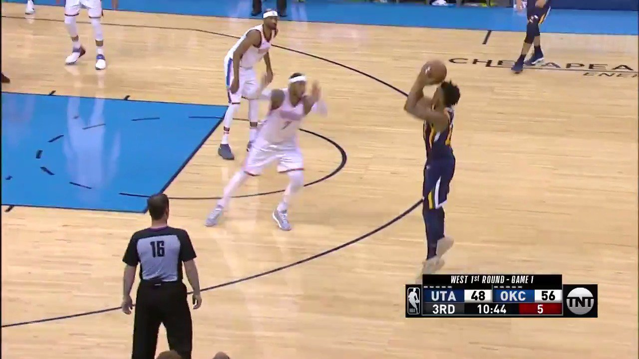 Pull-up 3 from deep for Donovan Mitchell! #TakeNote #NBARooks https://t.co/orAW1ktdz3