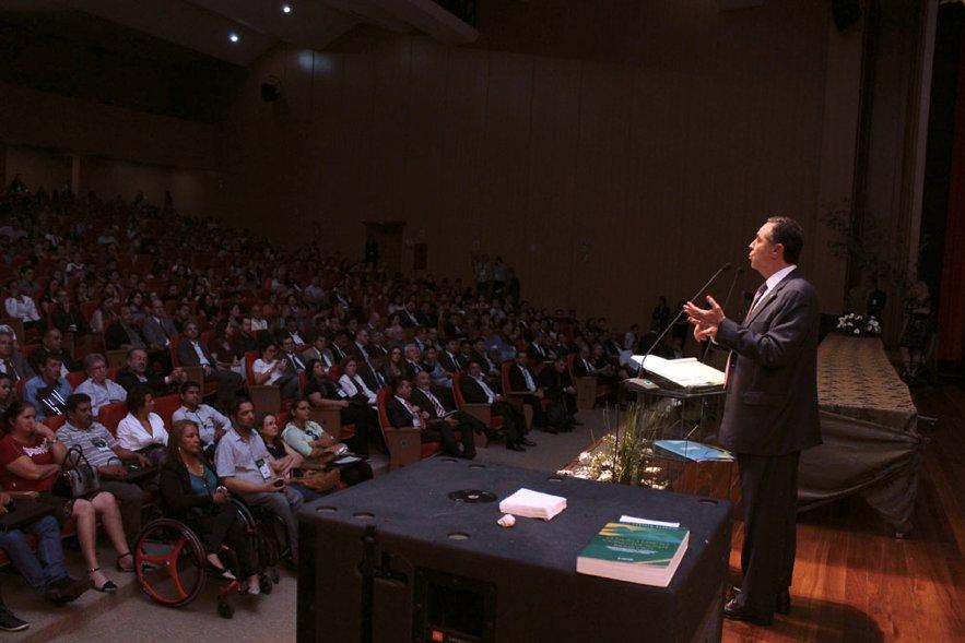 Xadrez de como, com jeitinho, Barroso beneficiou o Itau https://t.co/K6n9F0rsAP