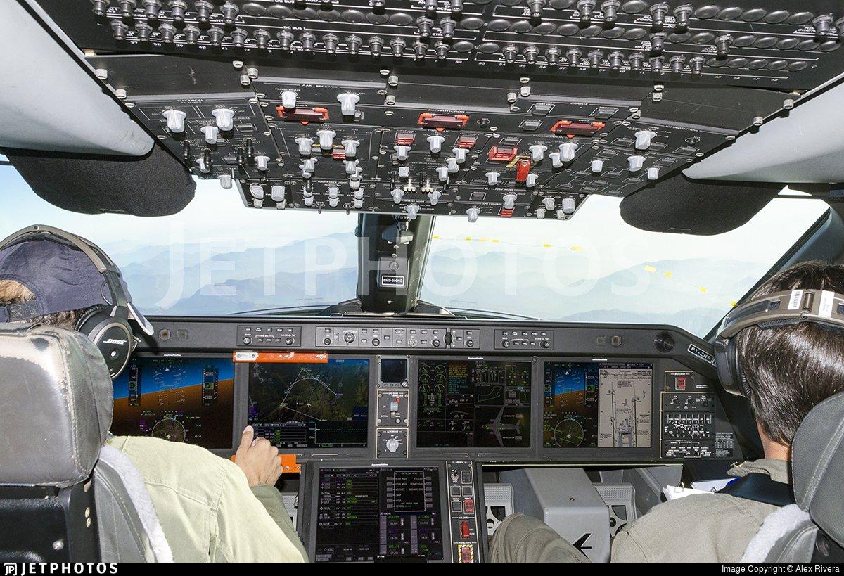 هنغاريا تتفاوض مع البرازيل لشراء طائرات Embraer KC-390  للنقل العسكري Da3vzAlW0AAR2oO