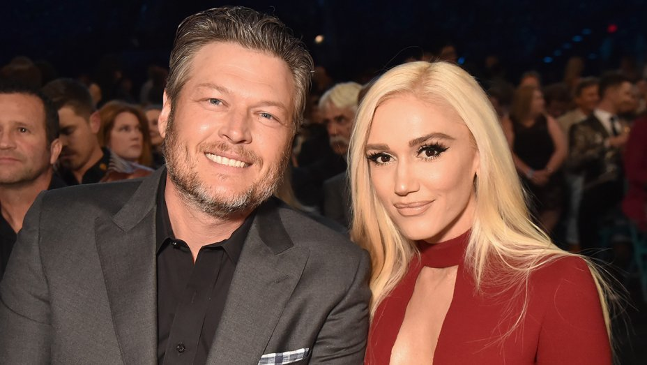 #ACMAwards: @GwenStefani sings along to @BlakeShelton during 'I lived it' performance  https://t.co/zZPSJRTIGD https://t.co/4jHFlqTZa7