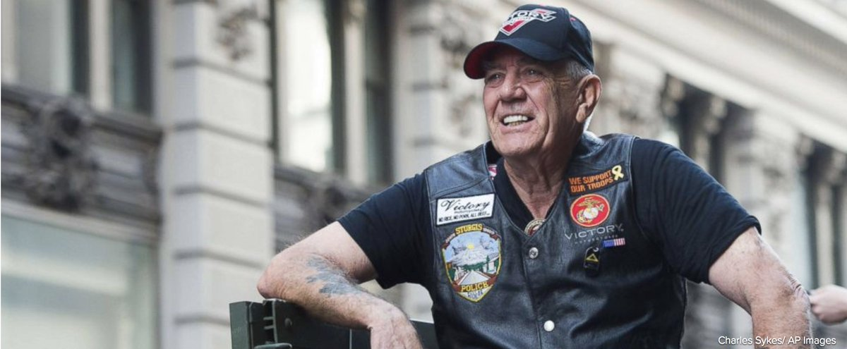 R. Lee Ermey, a former Marine who made a career in Hollywood playing hard-nosed military men like Gunnery Sgt. Hartman in Stanley Kubricks Full Metal Jacket, has died. He was 74. abcn.ws/2HBMVbH