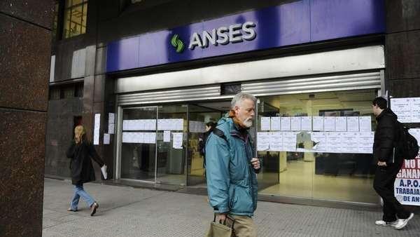 Clarín's photo on La ANSES