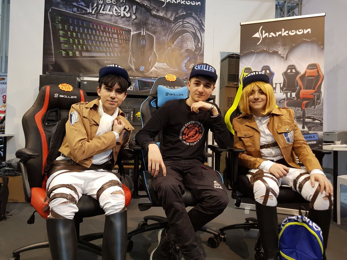 @ratorix knows to relax in our SKILLER gaming seats at Romics 2018!  #Sharkoon