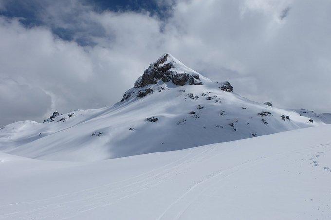 [NUEVO REPORTAJE]  Macizo de Larra-Anie (2507 m), 14/4/2018  https://t.co/OiIj89grPk