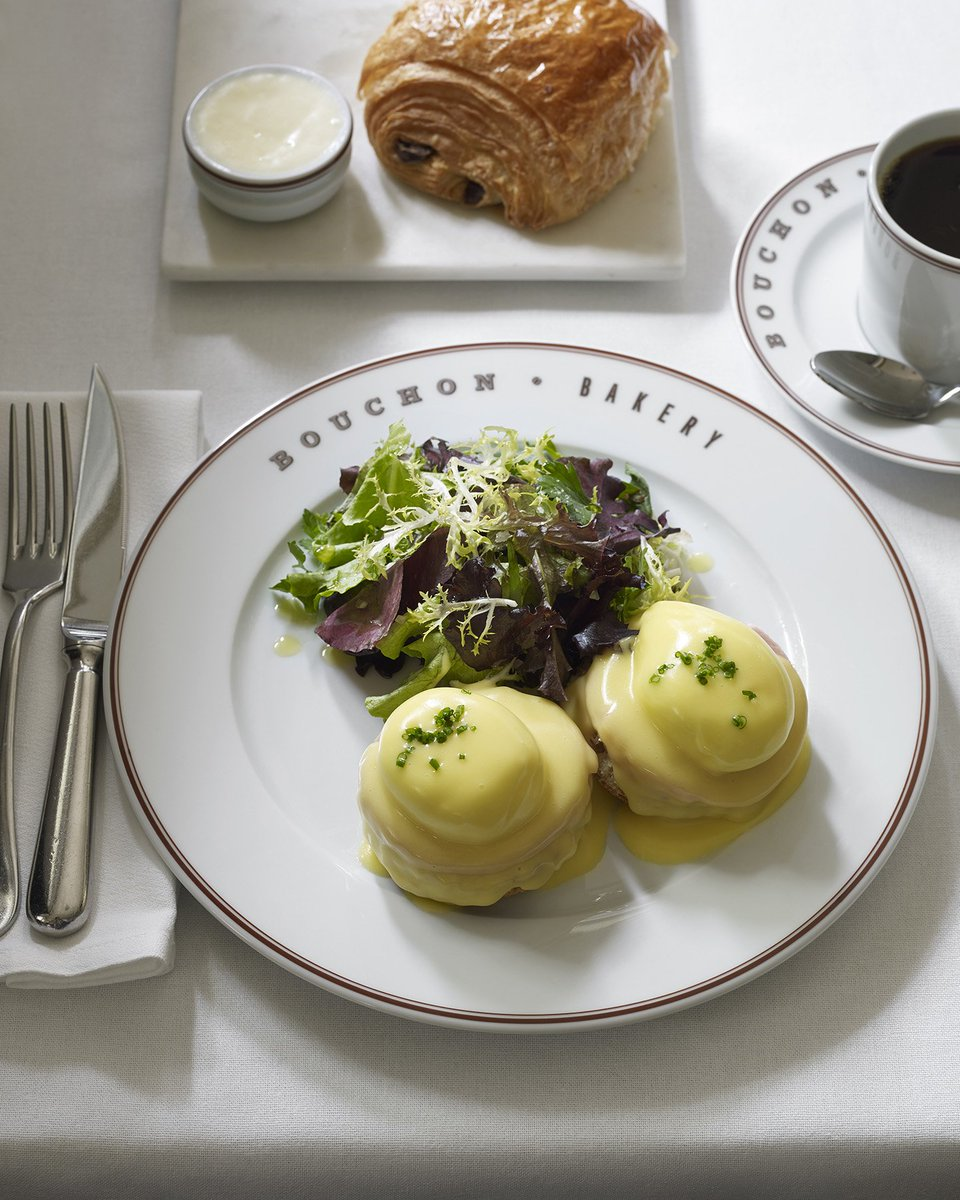 Monday blues calls for Eggs Benedict. Celebrate #NationalEggsBenedictDay at Bouchon Bakery &amp; Cafe at Time Warner Center. <br>http://pic.twitter.com/XJ9uO5IniT