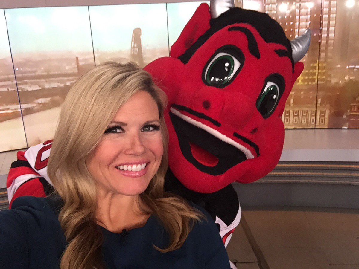 There's an @NJDevils on my shoulder this morning. #angelvsdevil👼Watch now to see his appearance on our show as they prepare for their playoff game 3 tonight at 7!