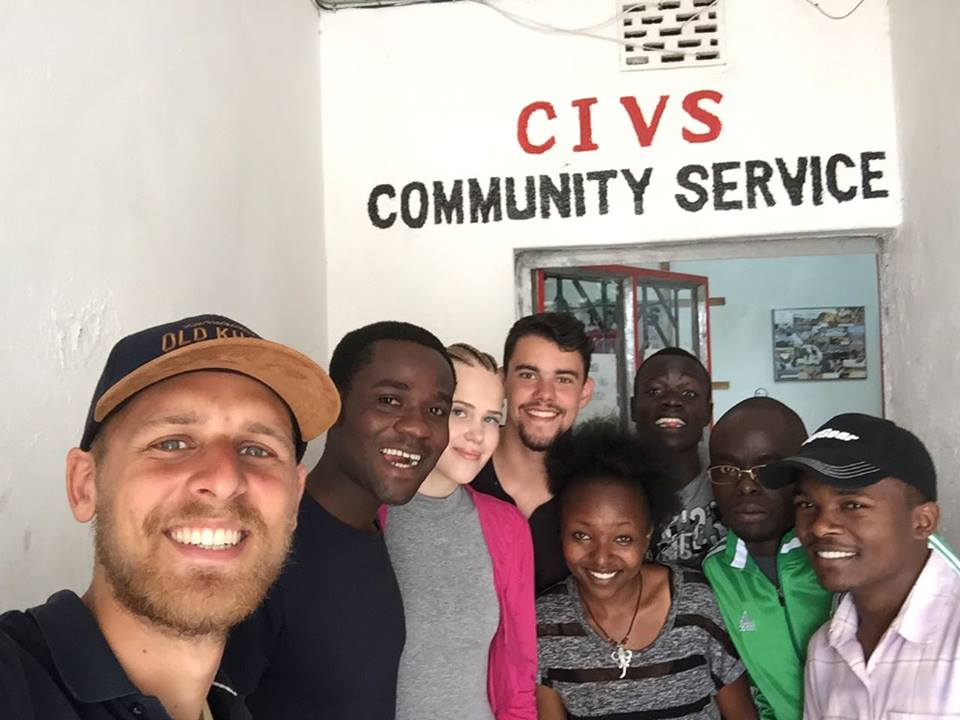 Farewell photo pose with our volunteers!!! Thank you for your time with us Pierre and Jordi!!! We appreciate your volunteering time with us!! #VolunteeringwithCIVS #CommunityService Like our page on Facebook https://t.co/a5K4wiyP8A and interact with us. https://t.co/jAQuSwTqVi