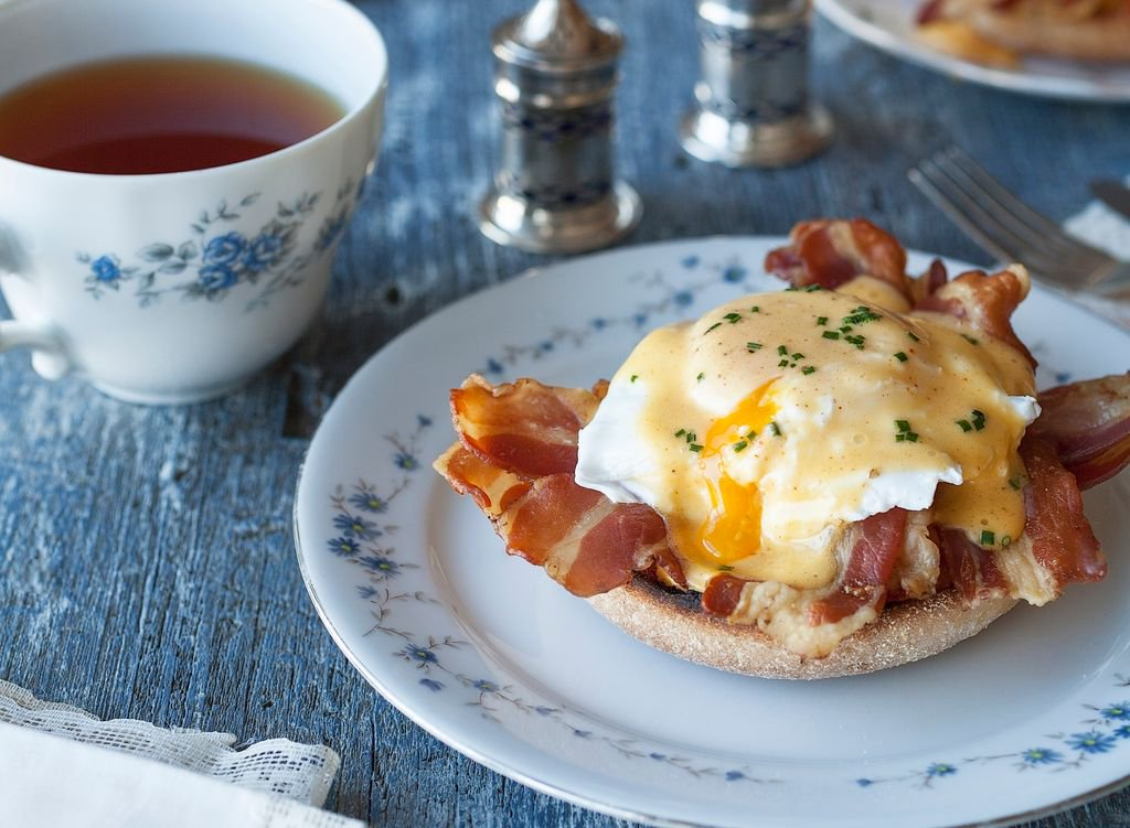 It&#39;s #NationalEggsBenedictDay, also known as the perfect excuse to have breakfast for dinner! #treatyoself   https:// buff.ly/2qARRGl  &nbsp;  <br>http://pic.twitter.com/NCejT5ZE4x