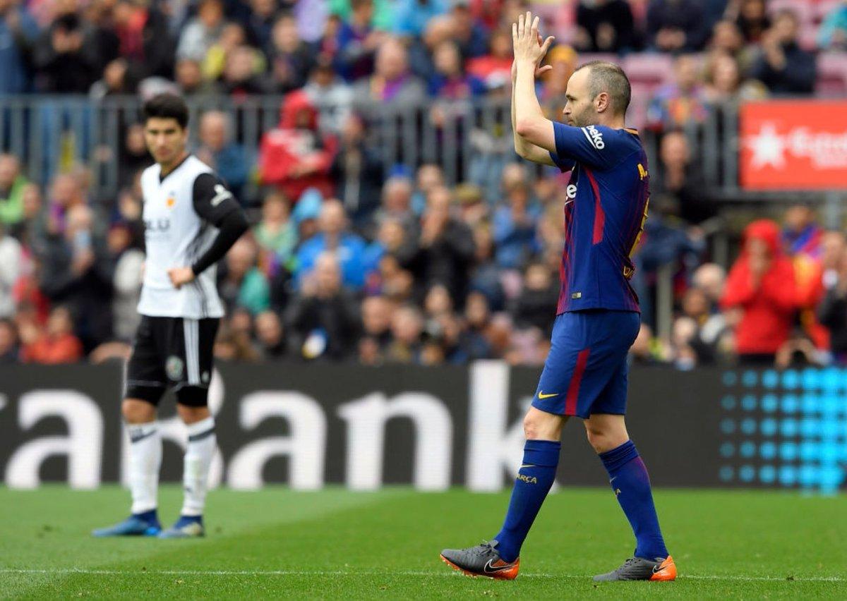 Iniesta Akan Umumkan Soal Masa Depan nya di Barcelona Pekan Ini