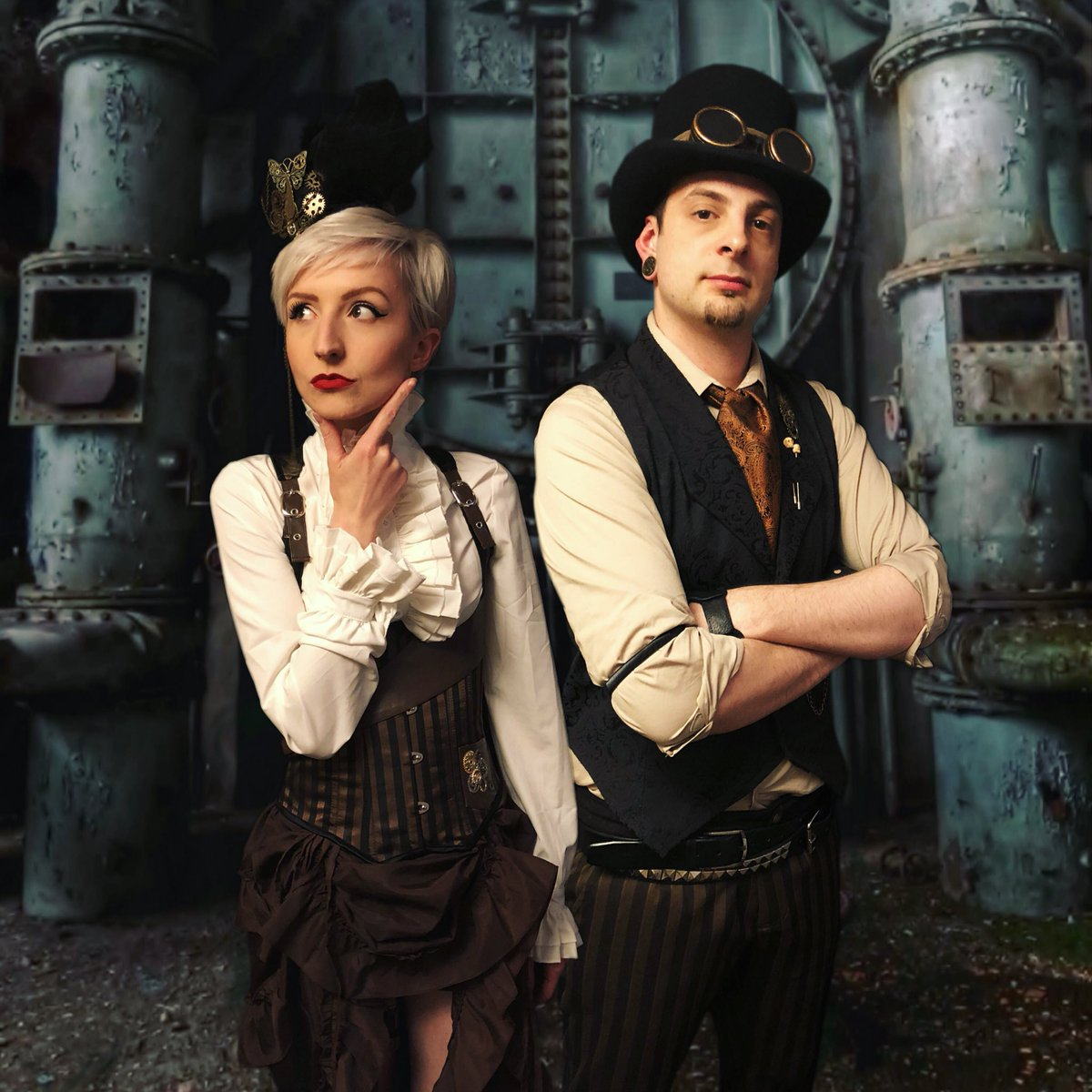 #mondaymarketing - some of you out there know, many of you don't... but I also run @CircusSteampunk a troupe of Steampunk clad Circus performers! give a follow if you like what you see! #monday #steampunkcircus #tophat #circus #performers #follow #steampunk