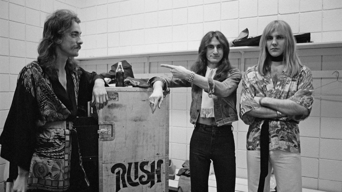 Come On, Rush fans. We know you want to. You can always wear a kimono #WearYourPajamasToWorkDay <br>http://pic.twitter.com/gh13NGUzvw