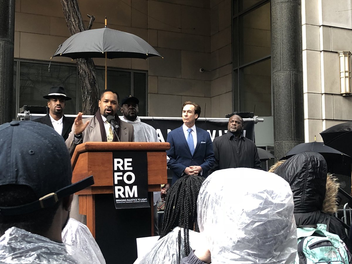 """""""I pledge to you, I will not rest until we reform this system...We need to free Meek!&quot; @SenSharifStreet @MeekMill #Justice4Meek #FreeMeekMill  http:// ReformPhilly.com  &nbsp;  <br>http://pic.twitter.com/JUsoGnUoMY"""