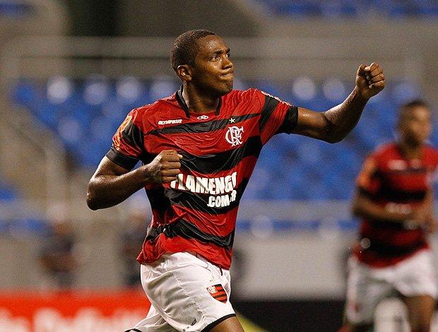 SporTV's photo on Renato Abreu