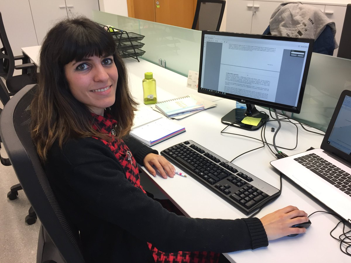 Would you like to meet our #womenresearchers at the Chair? We have talked with Nur Khalil#technician at the #Agrifood #Research Line  Let's go! https:// goo.gl/q3WFSF  &nbsp;    #WomenandPower #Science  #genderequality<br>http://pic.twitter.com/c6Nn7uVPWe