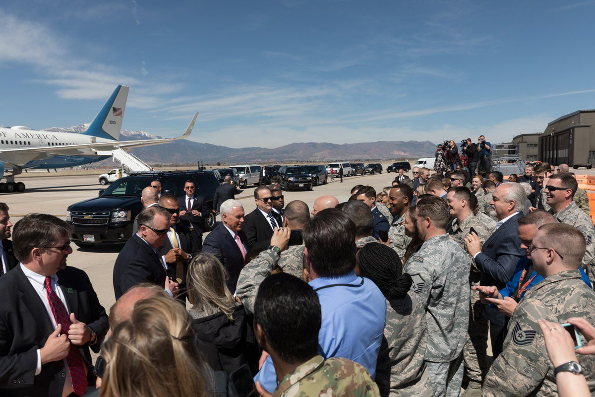 Landed at @PeteAFB in Colorado Springs. So great to be welcomed by airmen and women stationed here along with their families. On my way to speaking at the #SpaceSymposium. #34SS