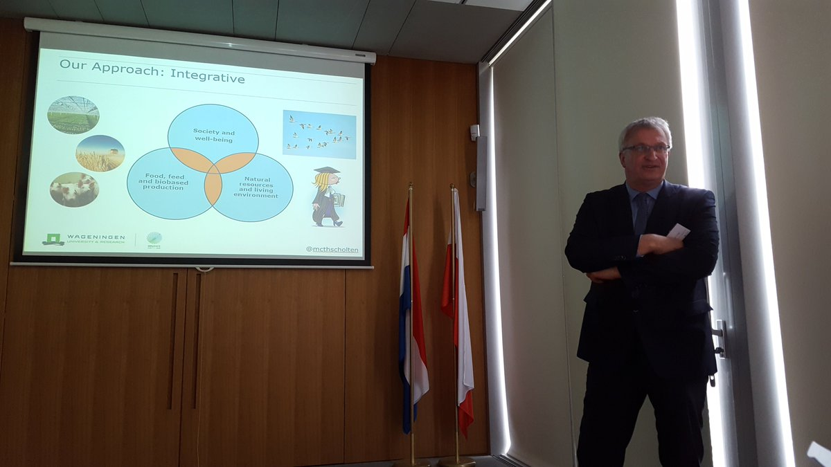 &#39;@WUR is partner not only for big comapnies but also small #startup s that are embeded in the #agrifood sector&quot; said @mcthscholten during #Wur #Alumni meeting at @NLinPoland #100yearswur<br>http://pic.twitter.com/O2u4ZALGnY