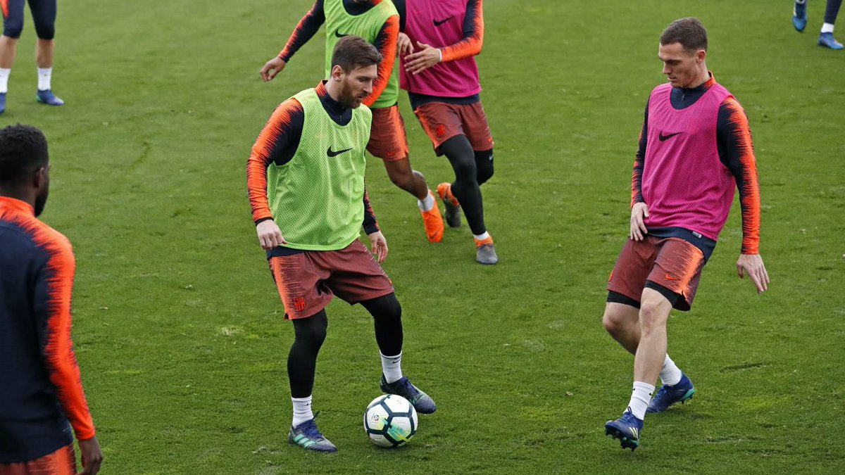 �� The best pics from Monday's training session �� https://t.co/7lXgN1CE1Y ���� #ForçaBarça https://t.co/zDvdiaq0jJ