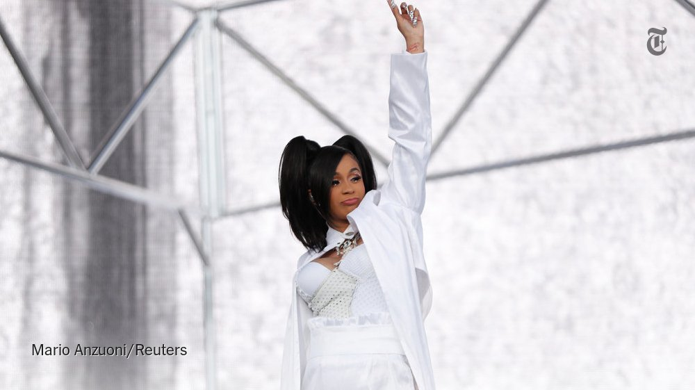 Cardi B becomes the fifth female rapper with a No. 1 album https://t.co/98XgUeQqWu https://t.co/IfojeNGflT