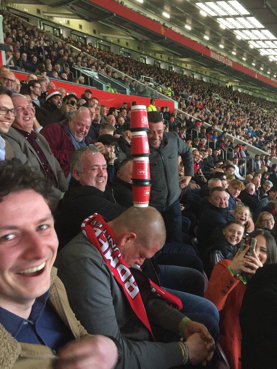 Quand un supporter s'endort à Old Trafford... ????