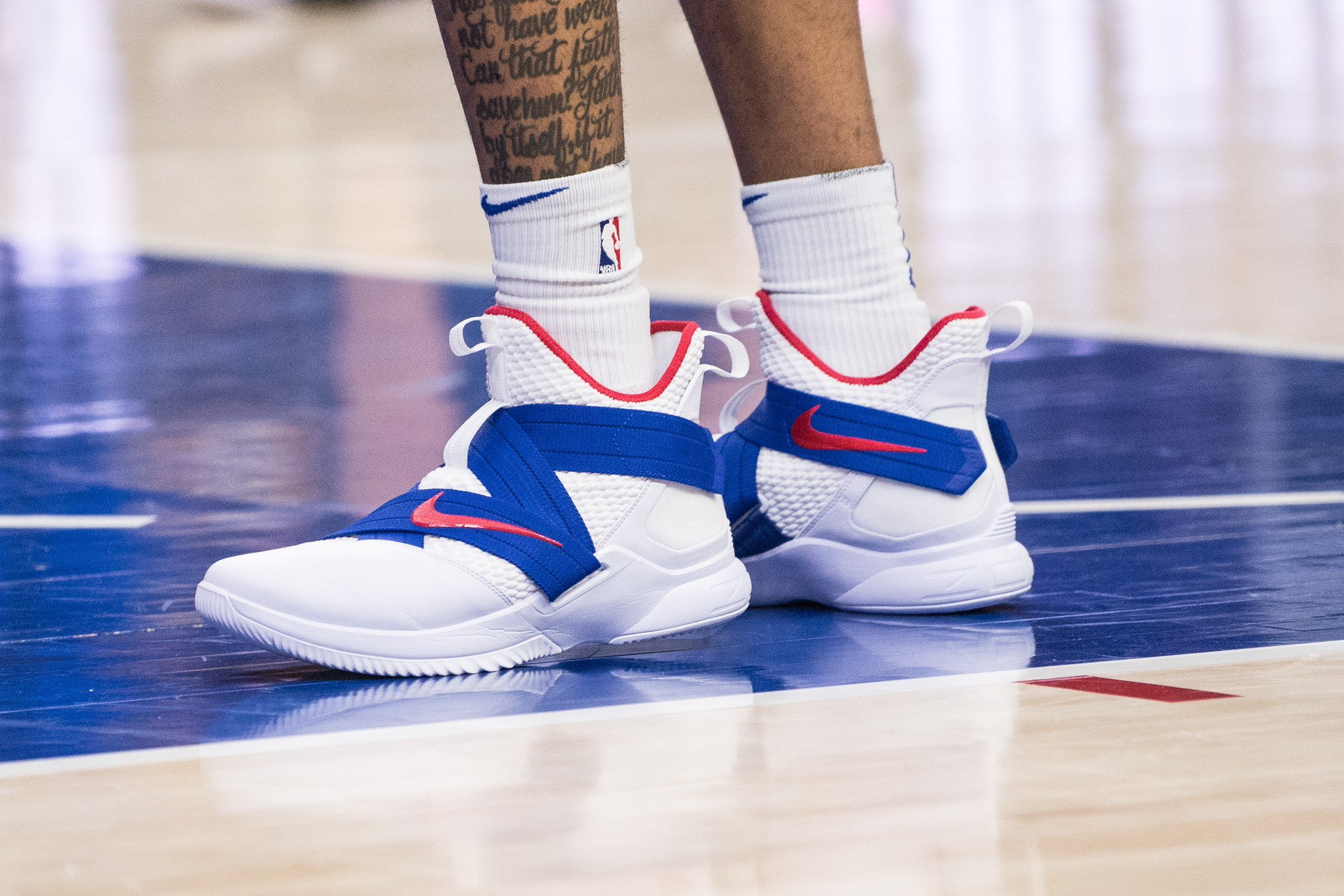 .@MarkelleF with the festive colorway.   ���� x #NBAKicks https://t.co/QaD16WNzLa