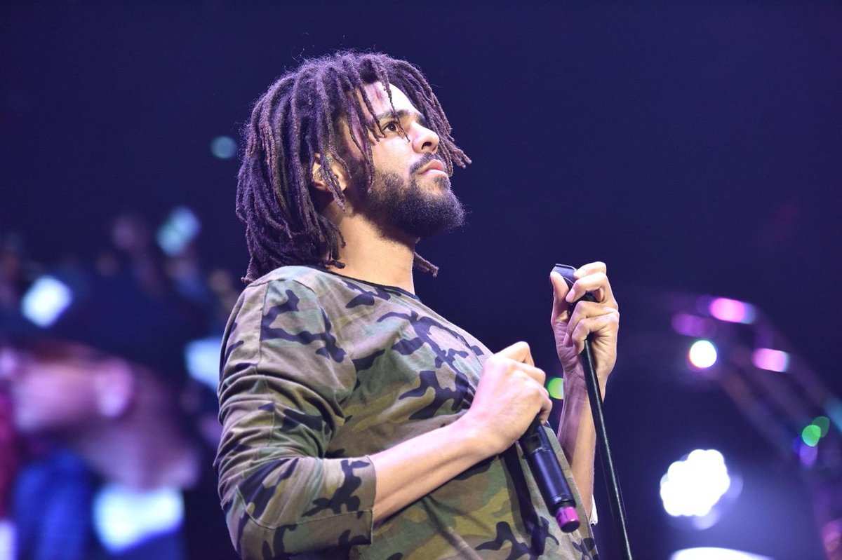 J. COLE IS DROPPING AN ALBUM THIS FRIDAY WHAT IS LIFE 😭😭😭 https://t.co/XtWqyYO5sM