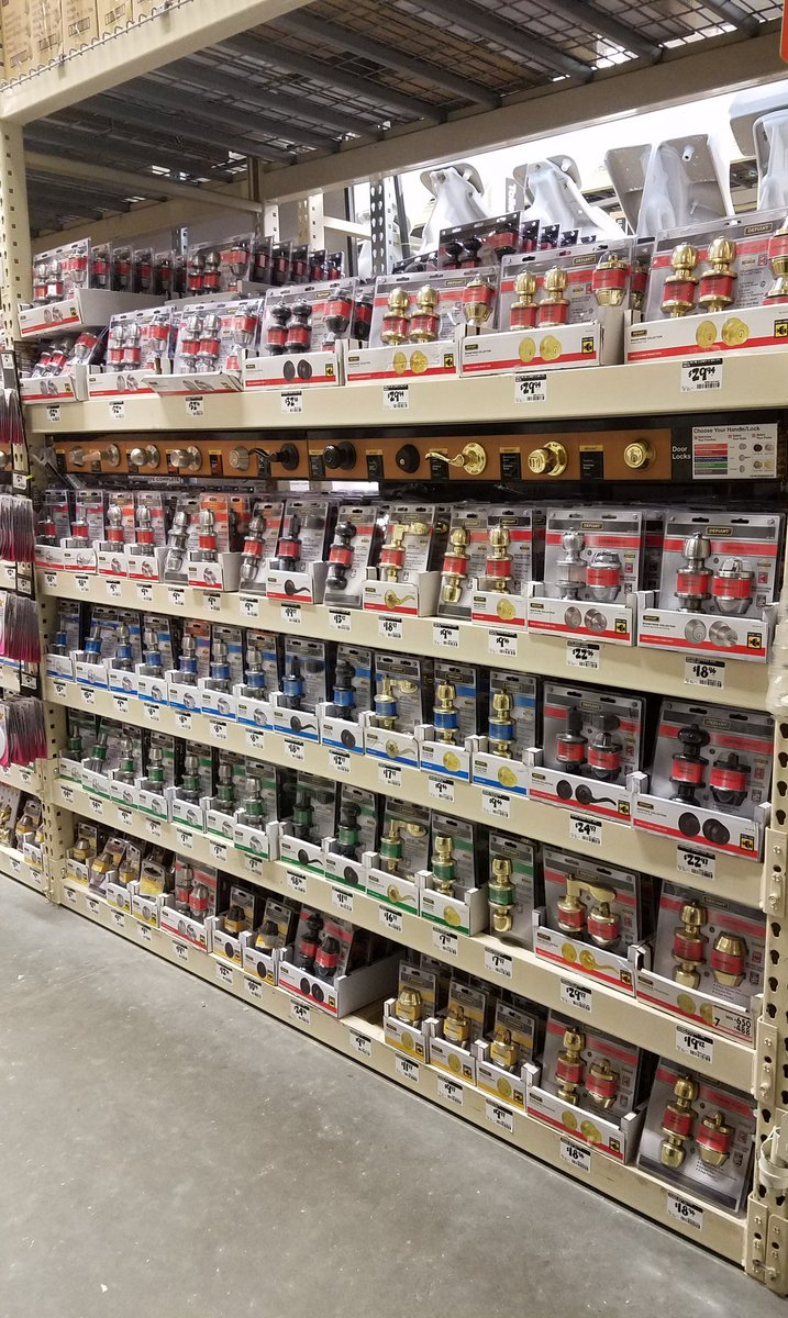A little friendly competition amongst the team at 6372 about whose bay is the best.  @WardallyJ @rose_taylorwood @Marco_sflMEM