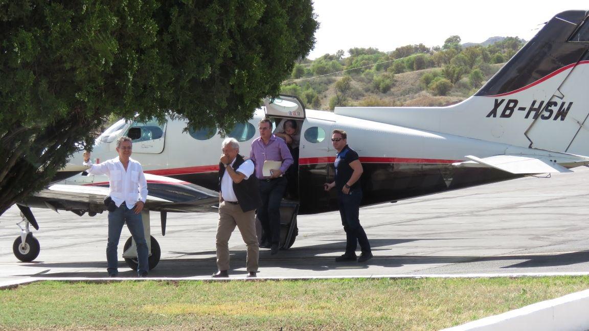 """""""Pos, Si Llegó"""" pero en avión privado a..."""