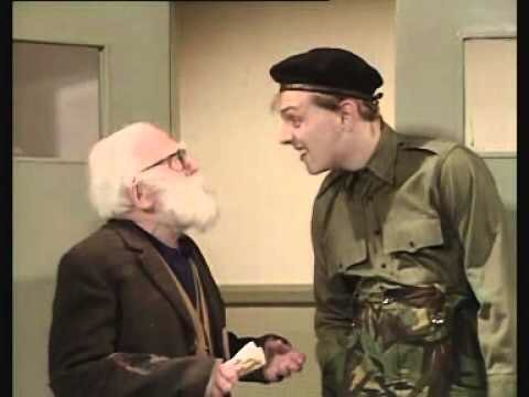 """Well I've got news for you moaners. I think snowflakes are really boring! And the only reason you don't understand pitchblacksteed's tweets is that you don't like them!"" #AntMcPartlin <br>http://pic.twitter.com/6uXobWnHFm"